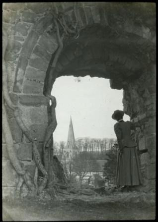 Rev. Roderick C Macleod, 'Mitford Castle with Mrs Macleod'
